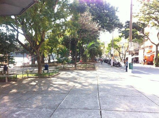 Praça Benedito Calixto3